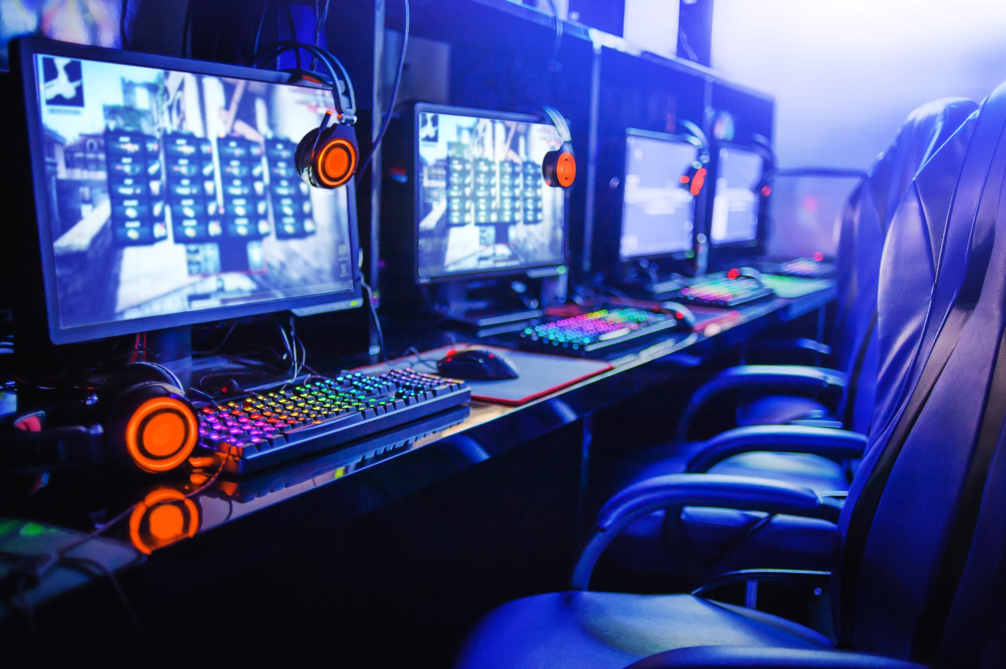 オンラインインターネットカフェのゲーミングPC