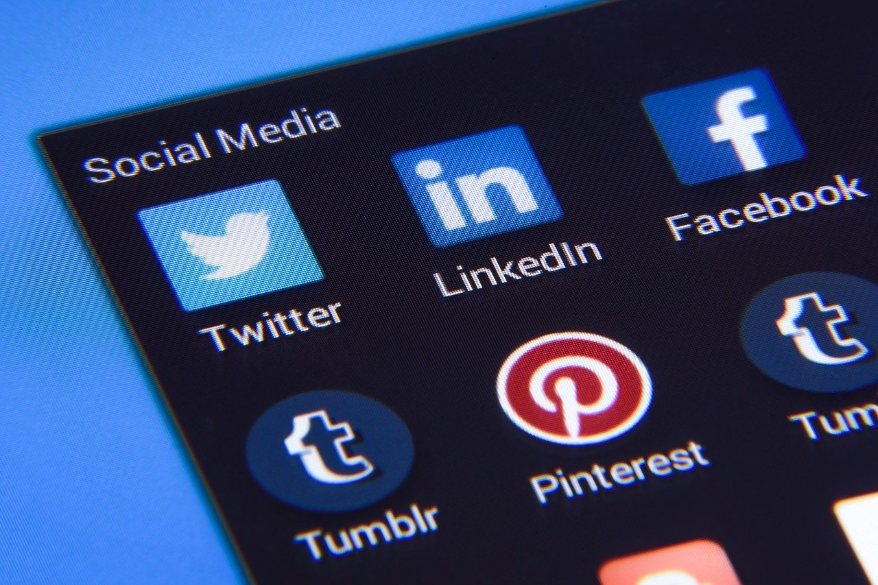 social media, facebook, twitter