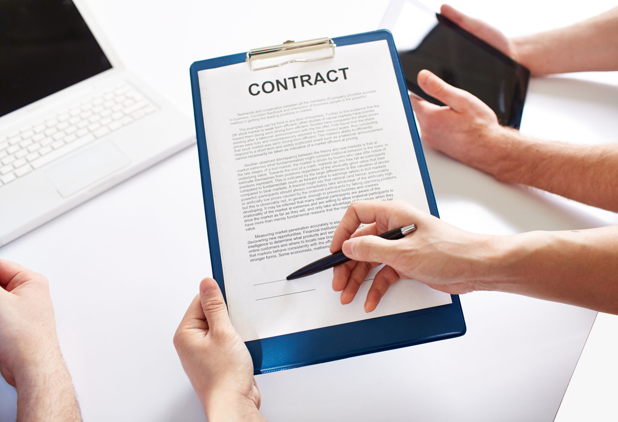 契約書へのサイン