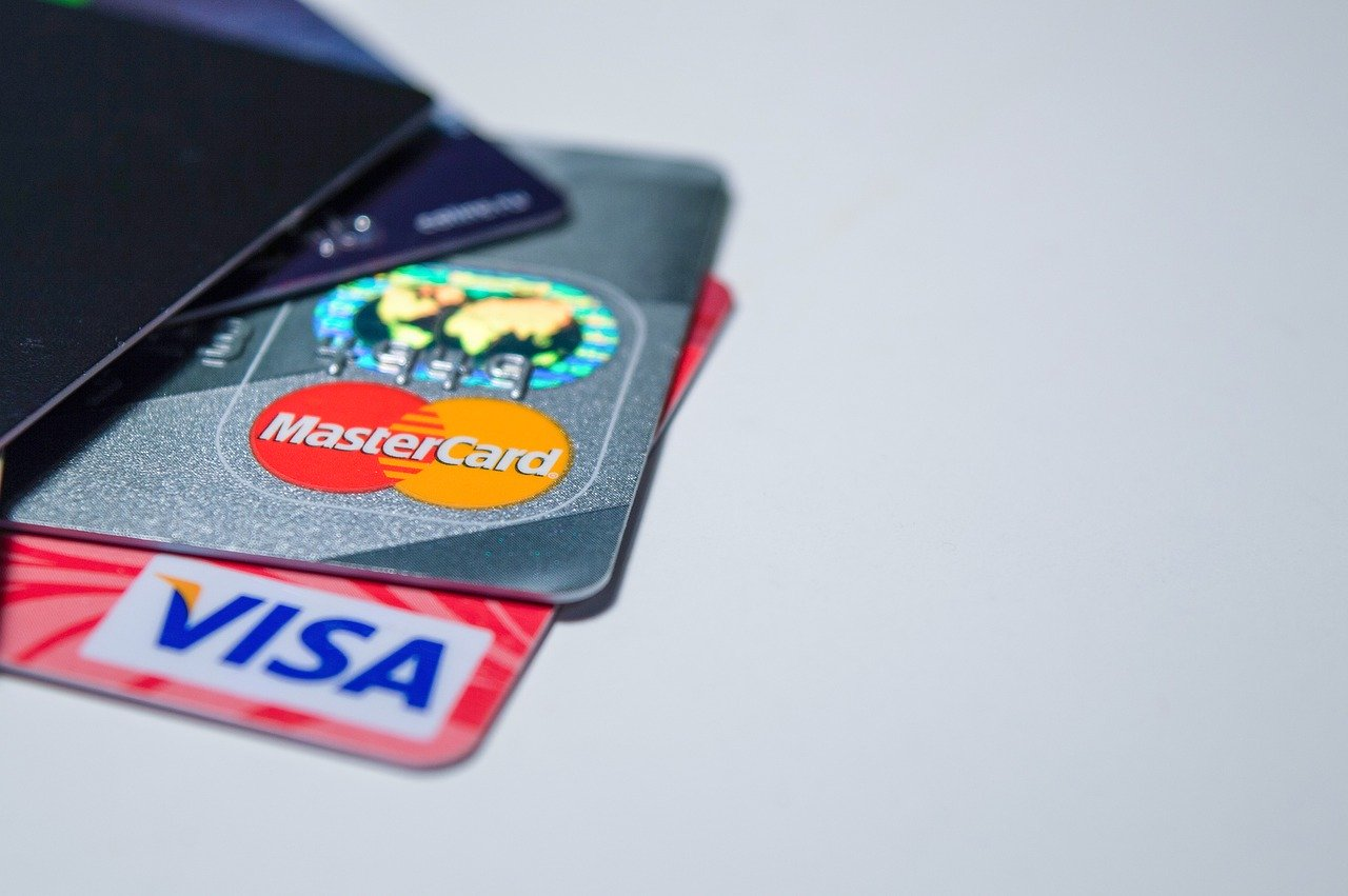 electronic payments, bank cards, e-commerce